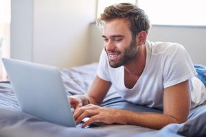 Men, Do These Things to Create an Excellent Online Dating Profile